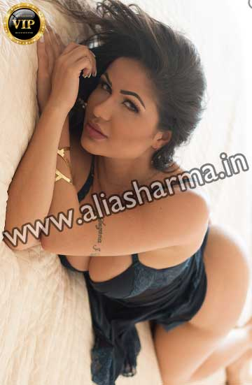 Housewife Escort woman in Rohini