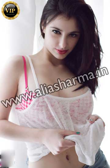 Pari Chattarpur Escort Girl